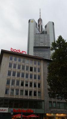 Bodum, Frankfurt | Einzelbuchstaben als Profil 5 Buchstaben mit Stahlkonstruktion