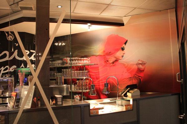 Pizza Hut, Bochum | Folienbeschriftung auf Wände, Wandtattoos, Schaufensterbeschriftung, Werbeanlagen