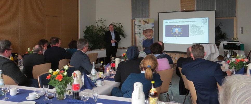 Lutz Klein von OCS GmbH