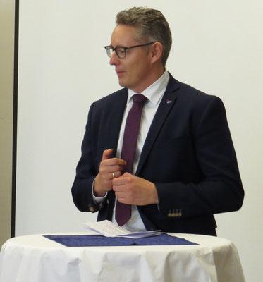Christian Bernhardt von der IHK Lahn-Dill