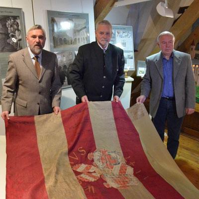 Der Bürgermeister, Graf von Schönburg und der Vorsitzende des Freundeskreises