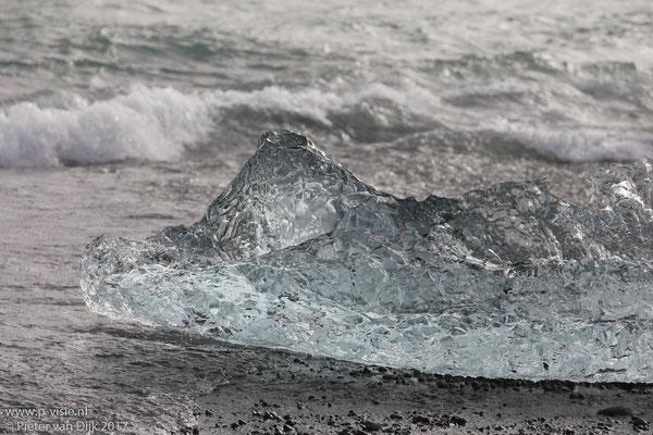 IJsblok op het strand
