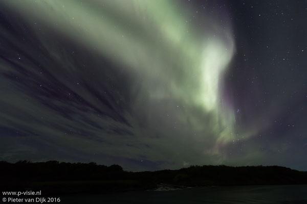 Noorderlicht boven Hraunfossar