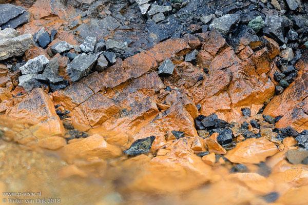 Stenen in stroom
