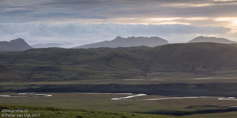 Avondlucht boven de Mýrdalsjökull gletsjer