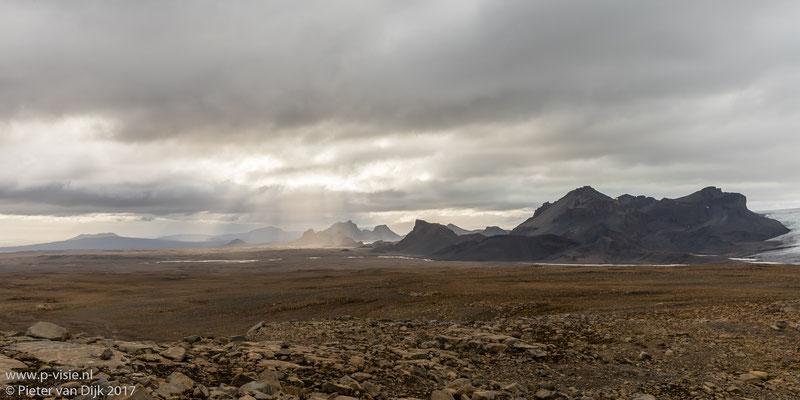 Zicht op de Langjökull gletsjer vanaf Skálpanes
