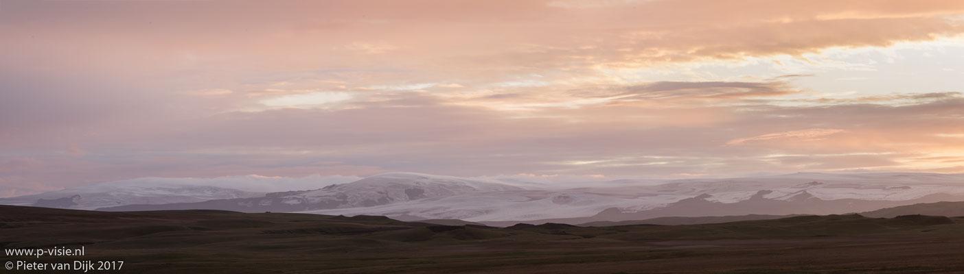 Zonsondergang boven de Mýrdalsjökull gletsjer