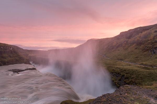 Zonsondergang bij de Gullfoss