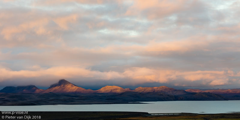 Zonsondergang langs de Fjallabak Nyrðri (F208)