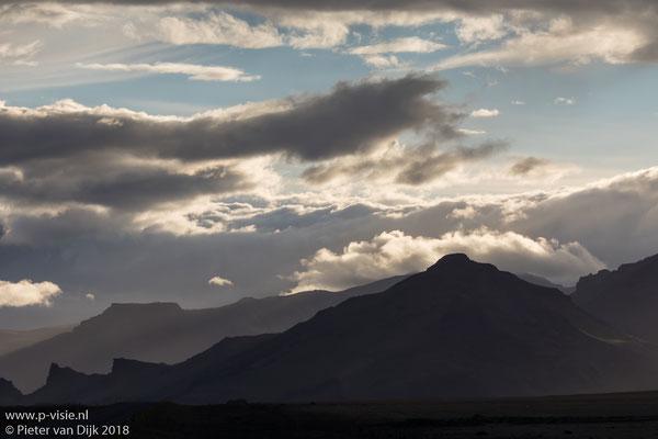 Avondlucht boven de Eyjafjallajökull