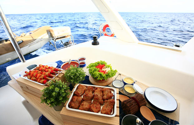 Premium Katamaran Sardinien Familie