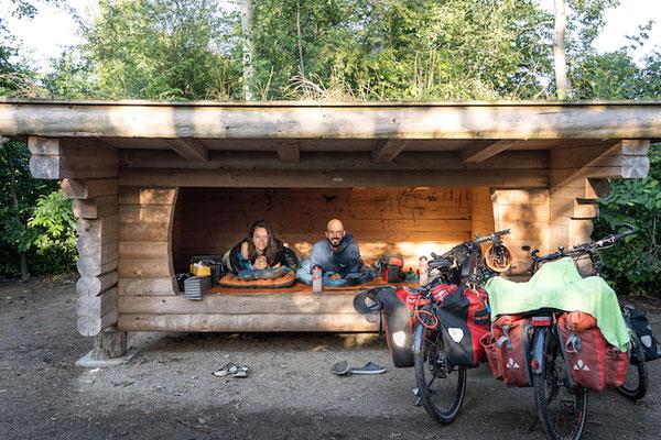 """""""Shelter"""" - von der dänischen Regierung zur Verfügung gestellte Wildcampingplätze. Dänemark, das finden wir spitze!!"""