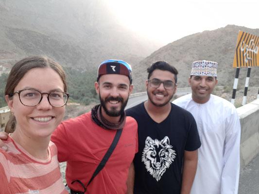 Wir machen gemeinsam Ausflüge und erkunden die Wadis der Gegend.