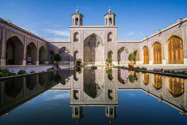 ...die schönste Moschee von allen! Die Nasir-el Molk Moschee in Shiraz gehört zu den berühmtesten Sehenswürdigkeiten des Irans...