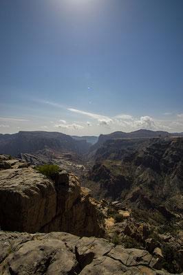 Rund um Nizwa breiten sich tiefe Canyons aus. Jeden Tag hat uns ein anderer Freund der Familie mitgenommen, um uns die Gegend zu zeigen...
