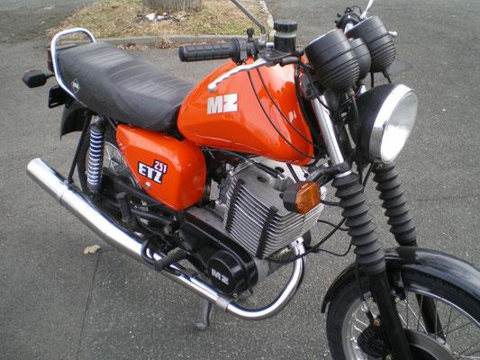 MZ ETZ251