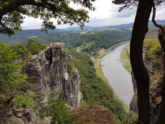 Die Elbe im Elbsandsteingebirge