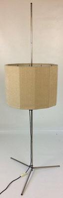 Maße: Höhe =164 cm. Schirmdurchmesser = 49 cm. Schirmhöhe = 35 cm. Fussbreite = 63 cm!