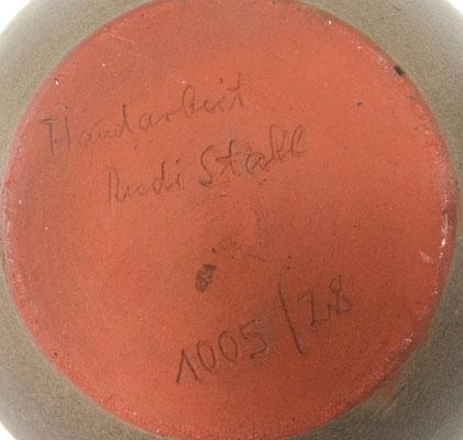 Signiert 1005 / 28, Rudi Stahl! Sie befindet sich im sehr guten Zustand!
