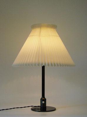 Niels Rasmussen Thykier Tischlampe, ein Entwurf von 1928!