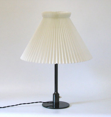 Niels Rasmussen Thykier table lamp, a design from 1928!