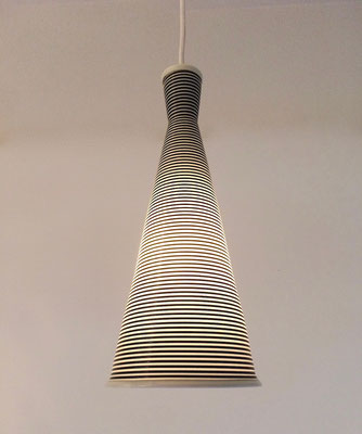 Very nice and time-typical pendant lamp.