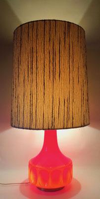 Große Tischlampe hergestellt wohl von der Glashütte Limburg.