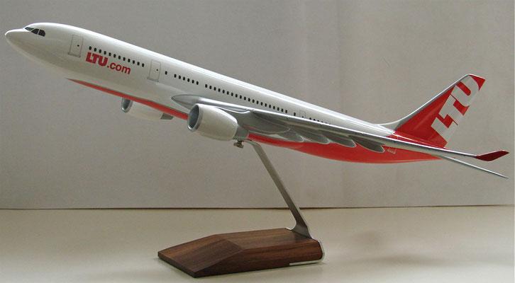 LTU Flugzeugmodell. SOLD