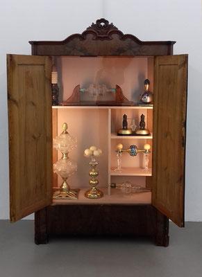 Empire - 16 - Holz, Glas, Metall, Stein, Textil, Kunststoff - 190 x 118 x 80