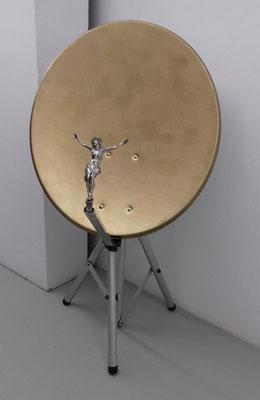 Sendungsbewußtsein - 14 - Metall, Kunststoff, Lack - 140 x 74 x 90