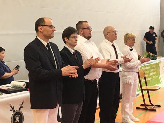 Ein herzlicher Dank gebührt dem Kampfrichterkollegium unter Weltkampfrichterin Elke Nowack aus Cottbus