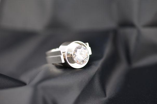 Edelsmid Wilma van den Hoek Ring (zilver/zirkonia)