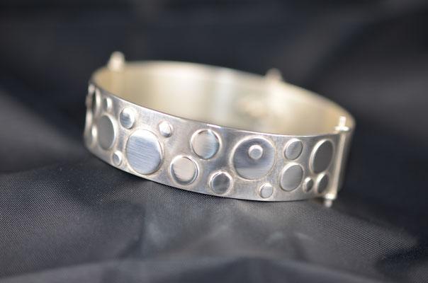 Edelsmid Wilma van den Hoek Armband 'bollen' (zilver)
