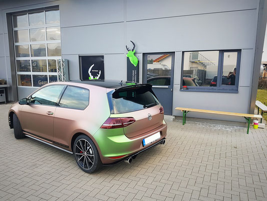 Golf 7 GTI Clubsport Vollfolierung in SW|A Chameleon Spring matt Carwrapping