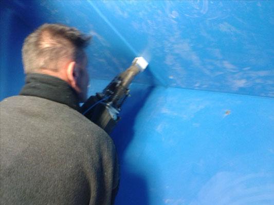 """Auskleidung der Wasserkammer im Pumphaus """"Steinkuhle"""" mit 12 mm PE-Platten"""
