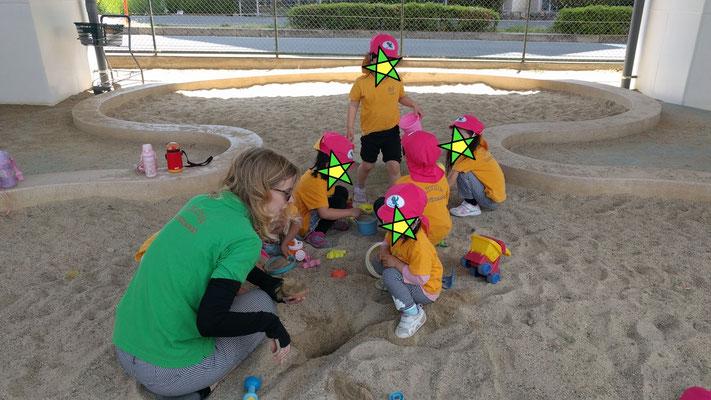 公園遊び、砂遊び