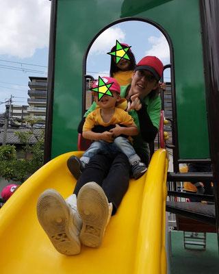 ピクニックと公園遊び 池田駅前公園