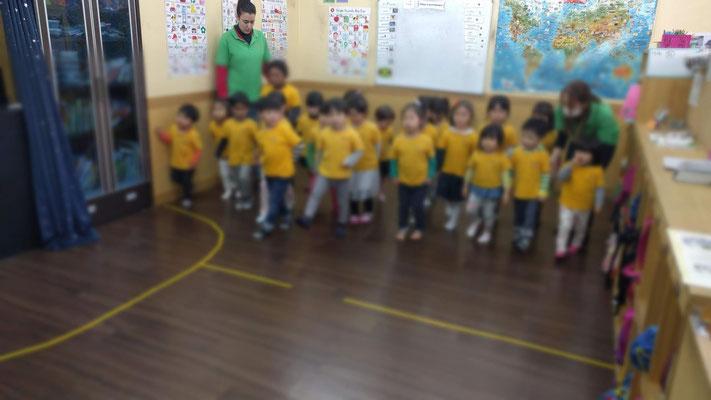 幼稚園のレッスン