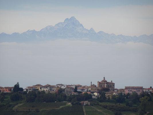 Der Alpenbogen im Blick: Monviso