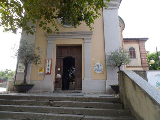 Enoteca in der Dorfkapelle - Barbaresco