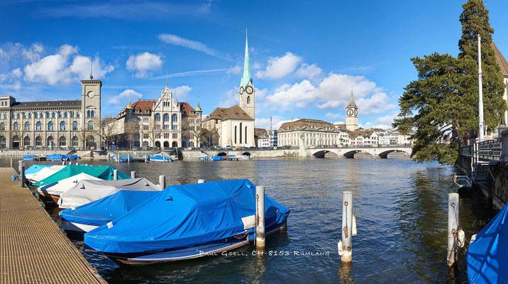 Zürich - Limmat mit Blick auf Stadthausquai