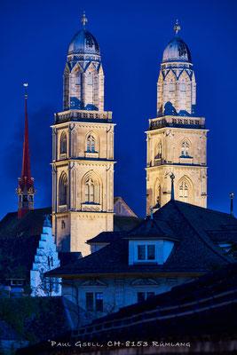 Grossmünster Zürich zur blauen Stunde - #2480