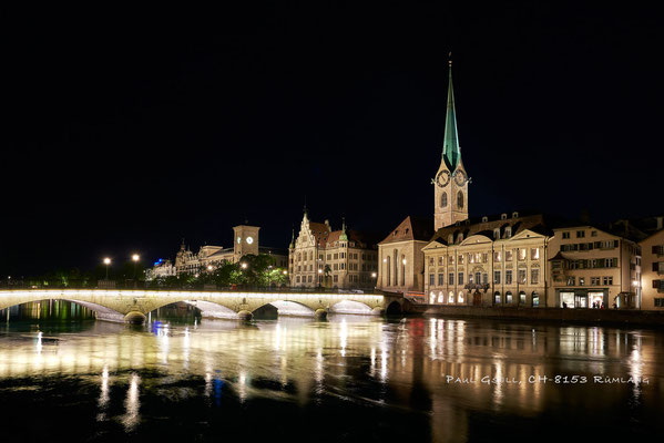 Zürich - Münsterbrücke und Fraumünster bei Nacht - #3347
