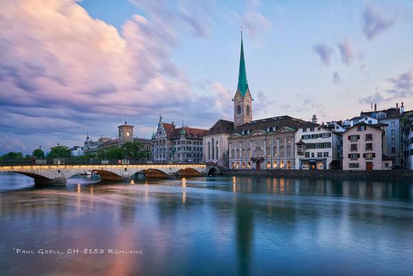 Zürich - Münsterbrücke und Fraumünster zur blauen Stunde - #3603