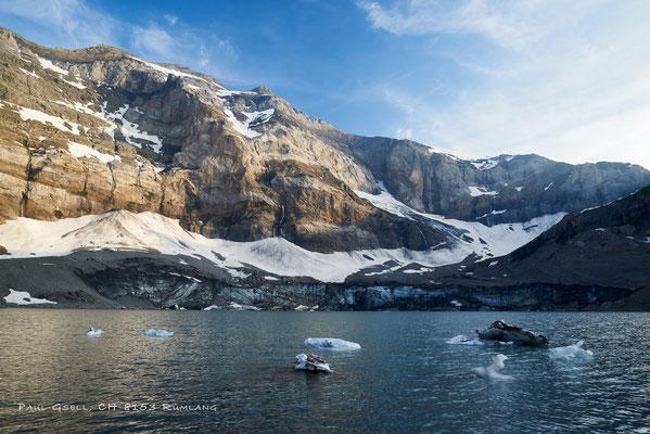 Gletschersee Griesseeli, im Hintergrund der Clariden im Abendlicht
