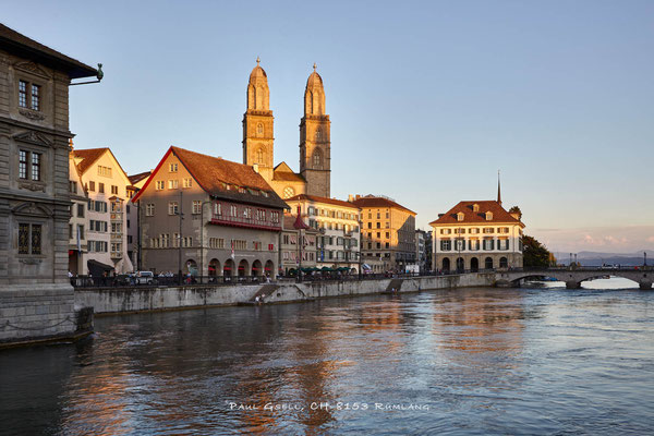 Zürich - Limmatquai mit Zunfthäusern, Grossmünster und Helmhaus - #3196