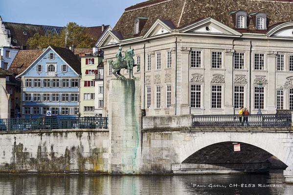 Hans Waldmann Denkmal, Zunfthäuser zur Waag und zur Meisen