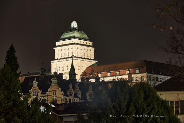 Beleuchtete Kuppel der Universität Zürich - #2151