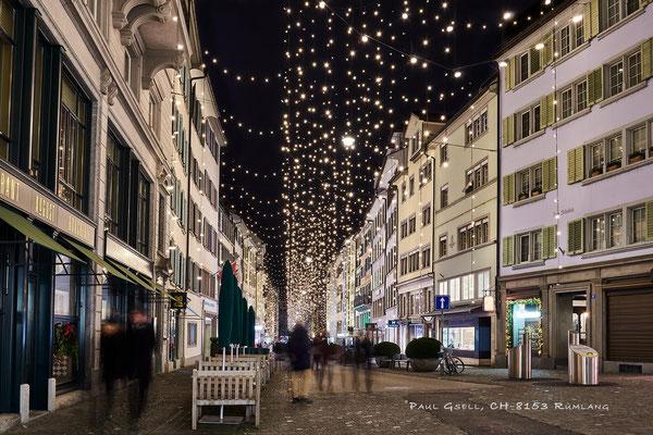 Weihnachtsbeleuchtung am Rennweg in Zürich - #4100