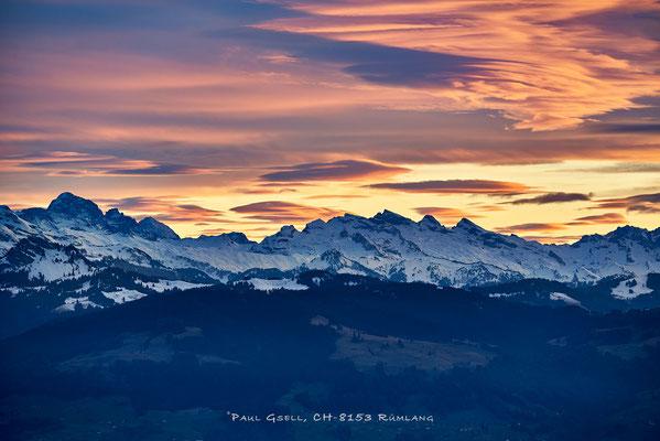 Gelbgoldener Abendhimmel über Schweizer Schneeberge - #4170